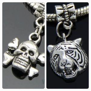 Jewelry - Skull, lion head silver tone dangle charm
